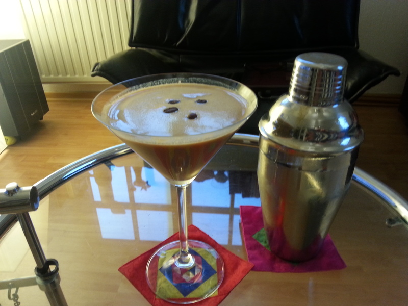 espresso martini rezept cocktaildatenbank. Black Bedroom Furniture Sets. Home Design Ideas